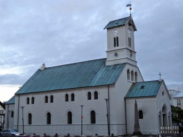 Dómkirkjan - Katedra w Reykjaviku - Islandia