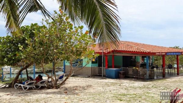 Bar w Caleta Buena - Kuba