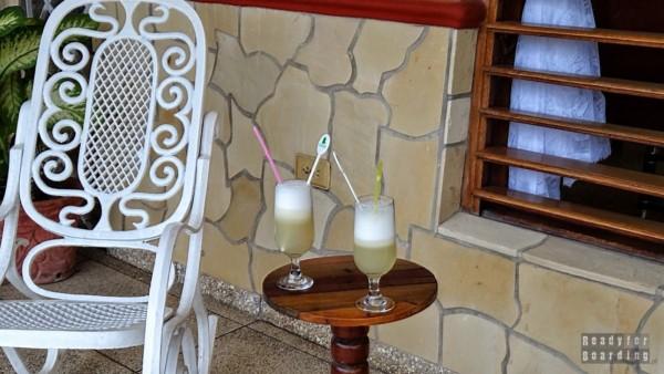 Powitalne drinki w Casa w Playa Larga - Kuba