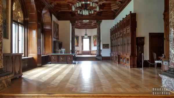 Biblioteka, Pałac w Mosznej