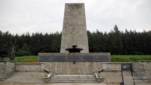 Pomnik-mauzoleum na terenie Muzeum Gross-Rosen