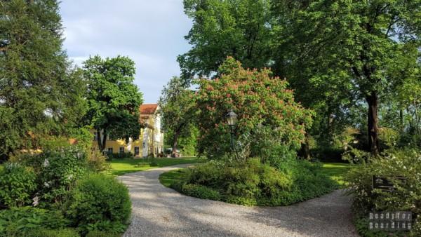 Pałac w Łomnicy, Dolny Śląsk