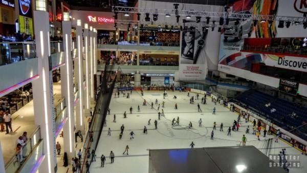 Lodowisko w The Dubai Mall, centrum handlowe w Dubaju