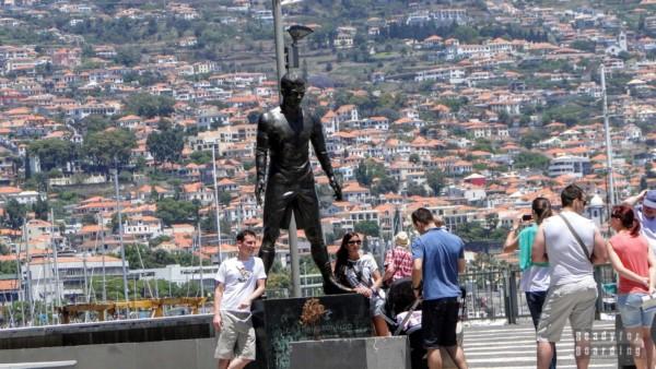 Pomnik Christiano Ronaldo - Funchal, Madera