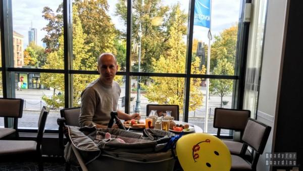 Śniadanie w hotelu Novotel, Wilno