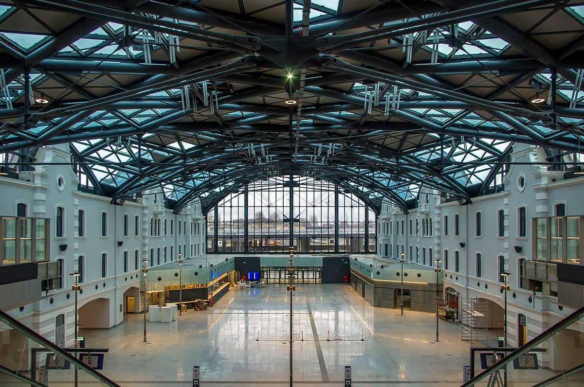Dworzec Łódź Fabryczna - Autor: https://www.fb.me/fabryczna.in