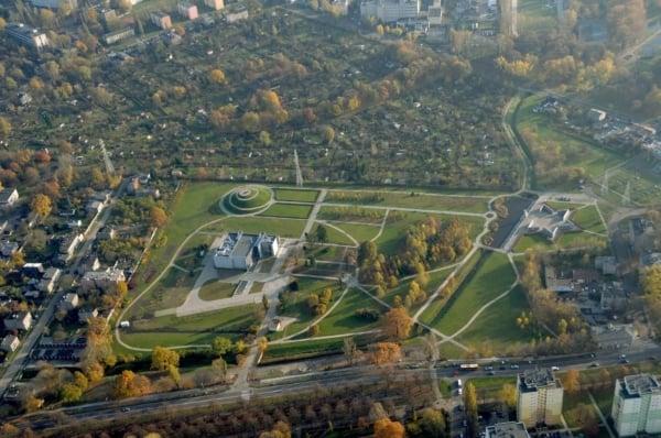 Łódź, Park Ocalałych - Autor: https://www.fb.me/lodzpl