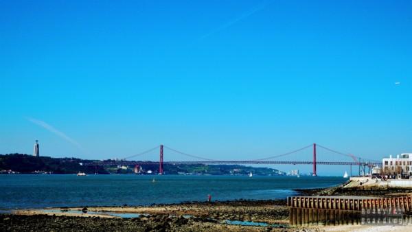 Most 25 Kwietnia, Lizbona