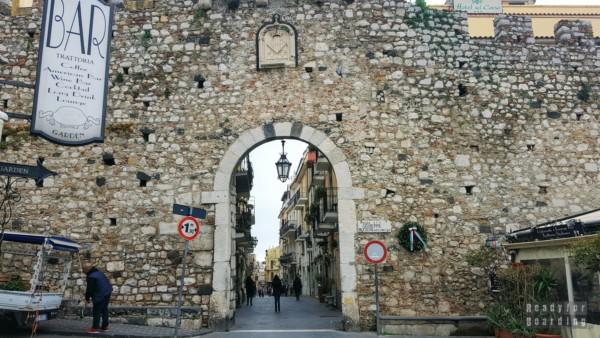 Porta Catania, Taormina - Sycylia