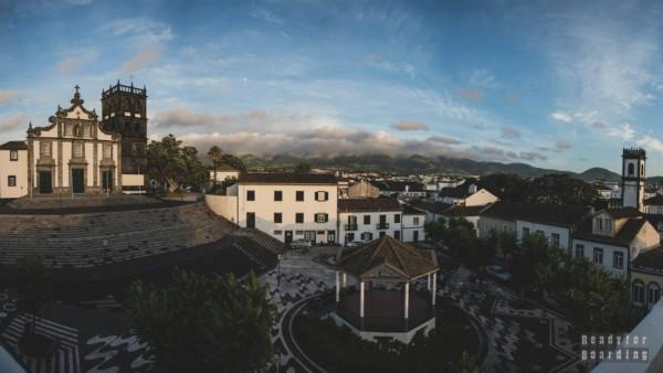 Widok z hostelu - Azory