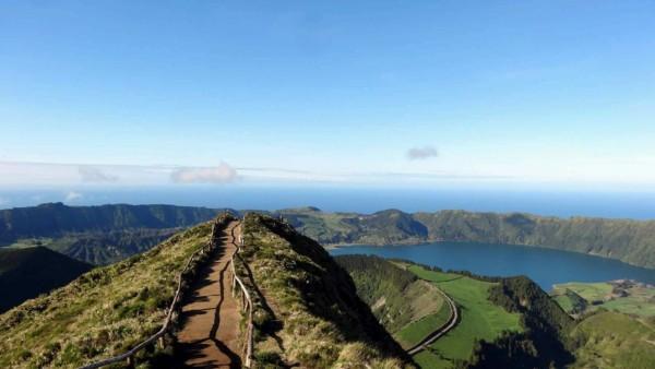 Ścieżka do Miradouro da Boca do Inferno, Azory (fot. Jola Joka)