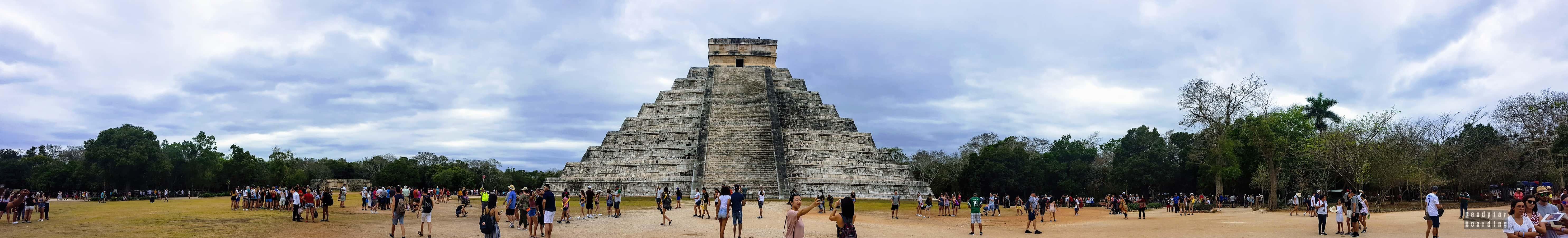 Panorama: Piramida Kukulkana, Chichén Itzá – Meksyk