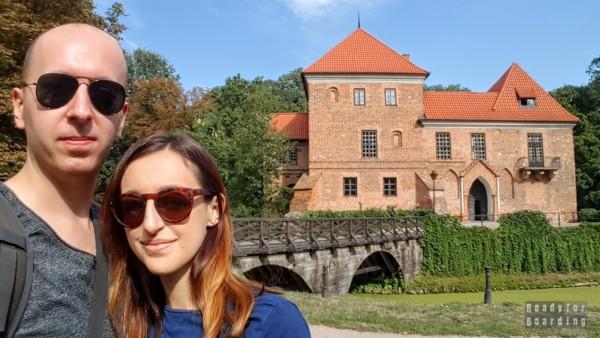 Zamek w Oporowie - zamki województwa łódzkiego